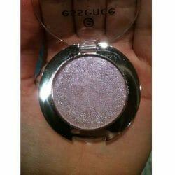 Produktbild zu essence metal glam eyeshadow – Farbe: 02 petal to the metal (LE)