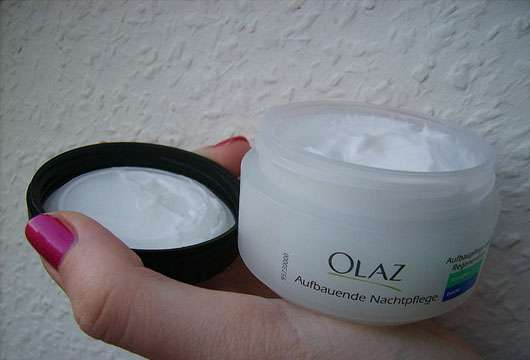 <strong>Olaz</strong> Aufbauende Nachtpflege Sensitive