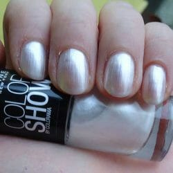 Produktbild zu Maybelline New York Colorshow By Colorama Nagellack – Farbe: 19 Marshmellow