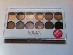 Produktbild zu Makeup Academy Eyeshadow Palette – Farbe: Undress Me Too