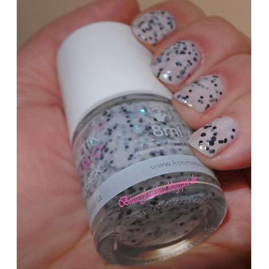<strong>Kosmetik Kosmo</strong> Nagellack Glitter Flake - Farbe: Straciatella