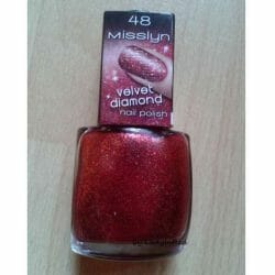 Produktbild zu Misslyn Velvet Diamond Nail Polish – Farbe: 48 Heart-Stopping (LE)