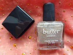 Produktbild zu butter LONDON 3 Free Nail Lacquer-Vernis – Farbe: Boho Rock (LE)