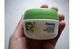 Produktbild zu Florena Mattierende Tagespflege (mit BIO-Grünem Tee & Reispuder)