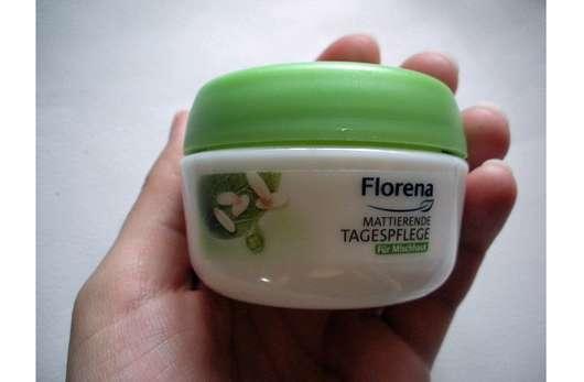 <strong>Florena</strong> Mattierende Tagespflege (mit BIO-Grünem Tee & Reispuder)