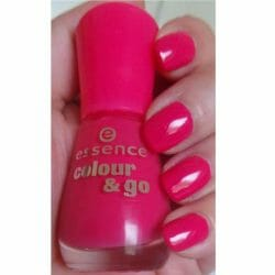 Produktbild zu essence colour & go nail polish – Farbe: 107 naughty and pink!