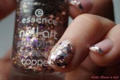 Produktbild zu essence nail art special effect topper – Farbe: 21 get the party started
