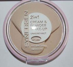 Produktbild zu Synergen 2in1 Cream & Powder Make-up – Farbe: 01