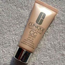 Produktbild zu Clinique Moisture Surge CC Cream SPF 30