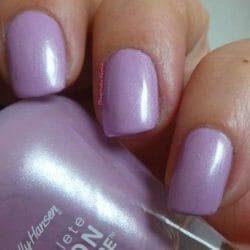 Produktbild zu Sally Hansen Complete Salon Manicure Nagellack – Farbe: 841 Lady Lavender (LE)