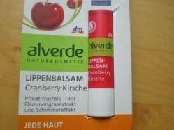 Produktbild zu alverde Naturkosmetik Lippenbalsam Cranberry Kirsche