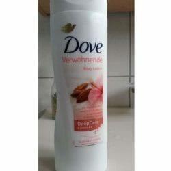 Produktbild zu Dove Verwöhnende Body Lotion mit Mandelmilch und Hibiskusduft