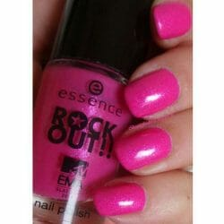 Produktbild zu essence rock out!! nail polish – Farbe: 03 best pop (LE)