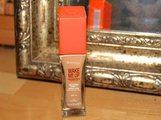 <strong>Rimmel London</strong> Wake Me Up Foundation - Farbe: 100 ivory