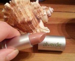 Produktbild zu alverde Naturkosmetik Color & Care Lippenstift – Farbe: 59 Dusty Nude