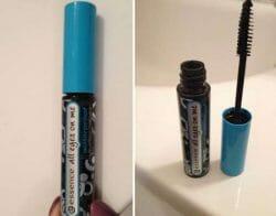 Produktbild zu essence all eyes on me waterproof multi-effect mascara