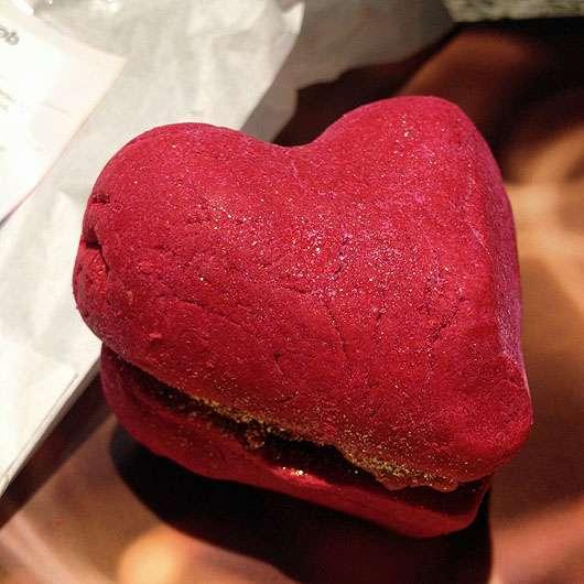 LUSH Heart Throb (Bubbleroon; LE)