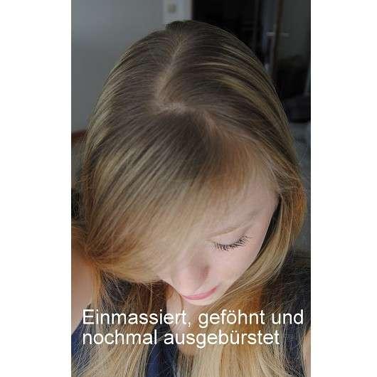 nach dem Einmassieren des Trockenshampoo und Föhnen der Haare