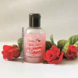Produktbild zu I love… Strawberries & Cream bubble bath and shower crème