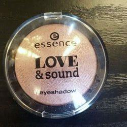 Produktbild zu essence love & sound eyeshadow – Farbe: 02 make life a festival (LE)