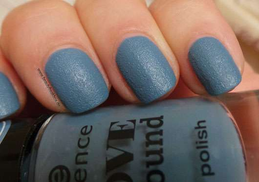 essence love & sound nail polish, Farbe: 02 blue-chella (LE)
