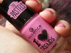 Produktbild zu essence I love trends nail polish the pastels – Farbe: 05 yummy gummy