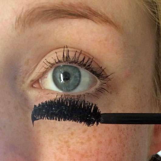 Astor Big & Beautiful False Lash Look Volume Mascara