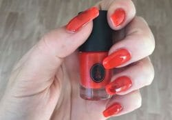 Produktbild zu SOTHYS Nagellack – Farbe: 303 orange exotique (LE)