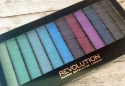 Produktbild zu Makeup Revolution Redemption Palette Mermaids VS Unicorns