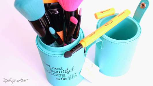 essence make me pretty brush box (LE)