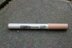 Produktbild zu Rival de Loop Young Wet & Dry Concealer Pen – Farbe: 01 Light Beige