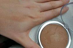Produktbild zu Catrice Sun Glow Mineral Bronzing Powder – Farbe: 010 Golden Light