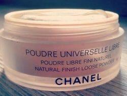 Produktbild zu Chanel Natural Finish Loose Powder – Farbe: 20 Clair