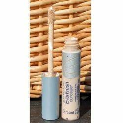 Produktbild zu Maybelline New York Everfresh Concealer – Farbe: Light Beige