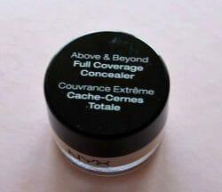 Produktbild zu NYX Above & Beyond Full Coverage Concealer – Farbe: CJ01 Porcelain