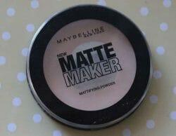 Produktbild zu Maybelline New York Matte Maker Mattifying Powder – Farbe: 20 Nude Beige