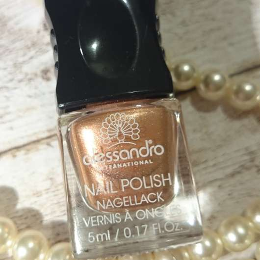 <strong>alessandro International</strong> Nagellack Prêt-à-Porter – Farbe: Silk Champagne (LE)