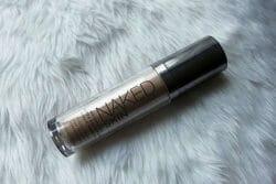 Produktbild zu Urban Decay Naked Skin Weightless Ultra Definition Liquid Makeup – Farbe: 0.5