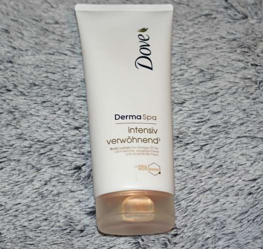 <strong>Dove DermaSpa</strong> Intensiv Verwöhnend³ Body Lotion