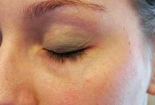 p2 line + color contouring matte eye shadow, Farbe: 030 pistachio crunch