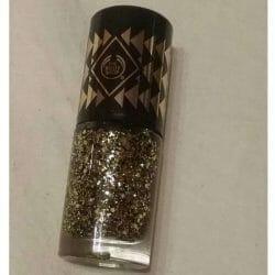 Produktbild zu The Body Shop Colour Crush Winter Trend Nail Colour – Farbe: 960 Gold Glitter (LE)