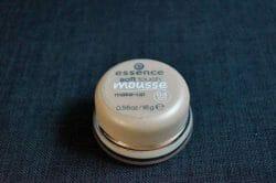Produktbild zu essence soft touch mousse make-up – Farbe: 04 matt ivory