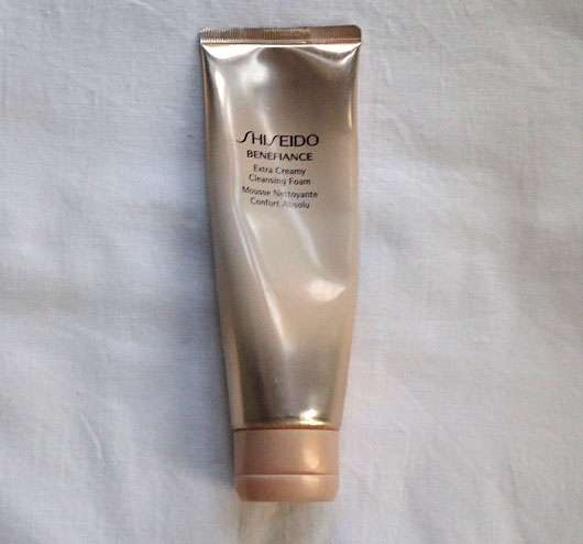 <strong>Shiseido</strong> Benefiance WrinkleResist24 Extra Creamy Cleansing Foam