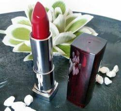 Produktbild zu Maybelline New York Color Sensational Lipstick – Farbe: 547 Pleasure Me Red