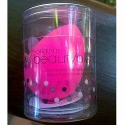 Produktbild zu beautyblender the ultimate make up sponge applicator