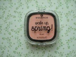 Produktbild zu essence wake up, spring! blush brush – Farbe: 01 hello sunshine! (LE)