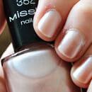 Misslyn nail polish, Farbe: 382 princess dress