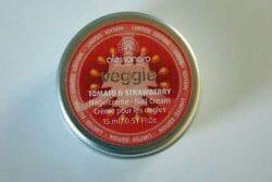 Produktbild zu alessandro International veggie tomato & strawberry Nagelcreme (LE)
