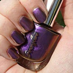 Produktbild zu Douglas Make-up Chameleon Nagellack – Farbe: Spectral Purple