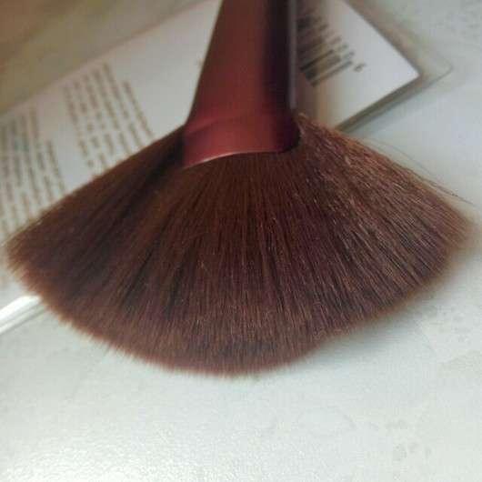 p2 sunshine goddess contouring fan brush (LE)